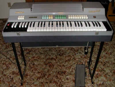 http://www.combo-organ.com/Farfisa/Compact/Compact_101a_small.jpg